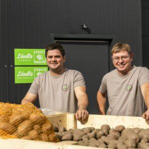 Sebastian Allgäuer Und Kilian Schatzmann, Rheintaler Feldfrüchte, Ländle Kartoffel, Foto: Weissengruber